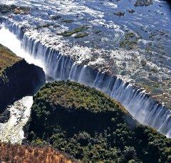Zimbabwe_VictoriaFalls.jpg