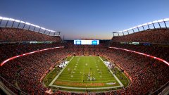 DenverBroncos_Stadion_Photocredit_VisitDenver.jpg