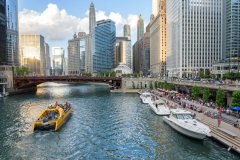 Chicago_Riverwalk_by_Ranvestel_PhotoCredit_ChooseChicago.jpg