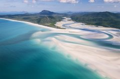 QueenslandBroschre_WhitehavenBeach_HillInlet.jpg