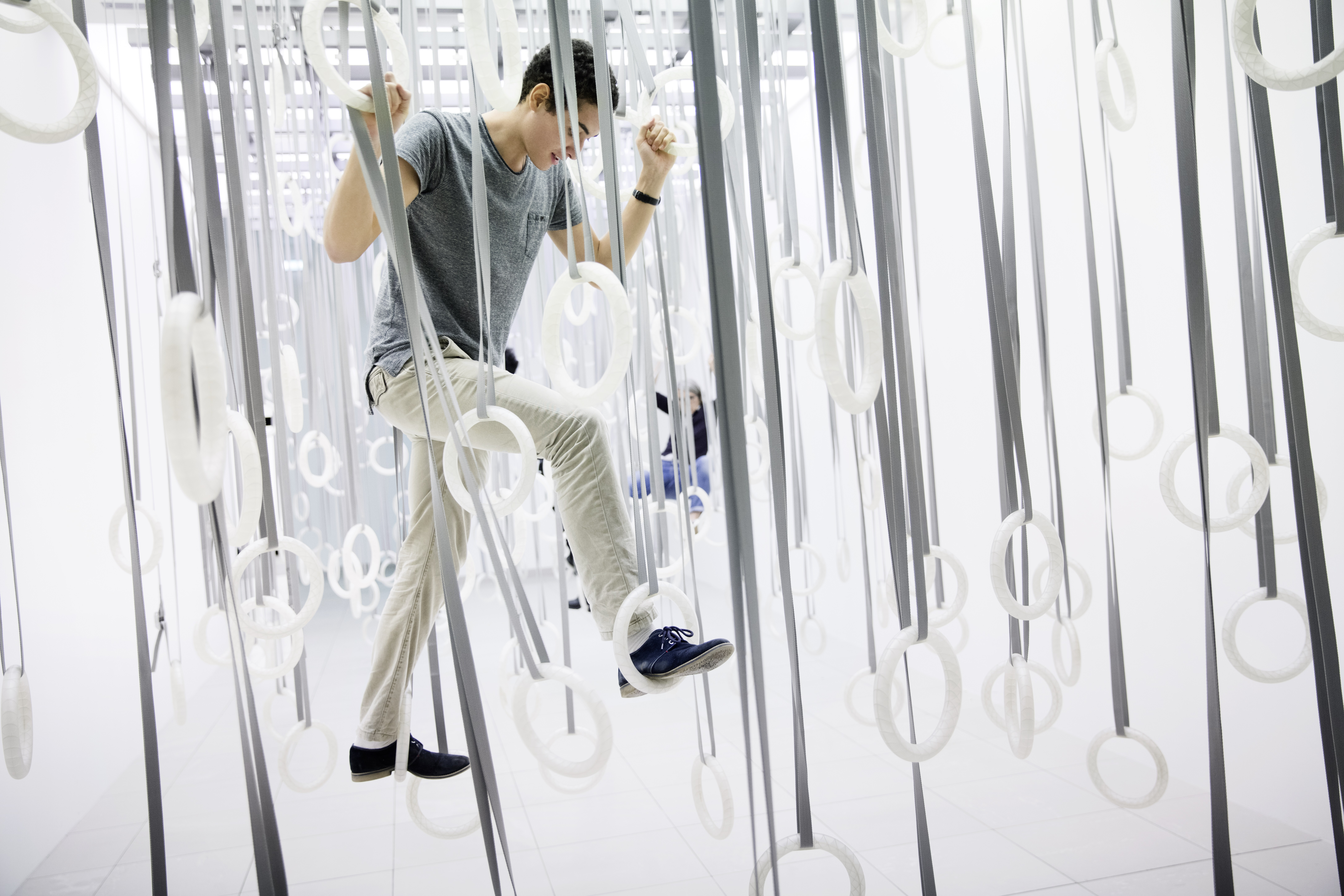 WilliamForsythe_TheFactOfMatter_GymRings1_PhotoCredit_GoMA_DominikMentzos.jpg